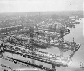Docks 1945 - I